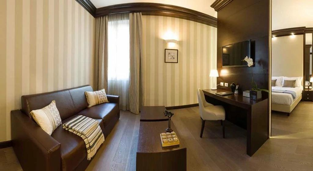 Panoramia-Junior-Suite-Hotel-Palazzo-Bezzi